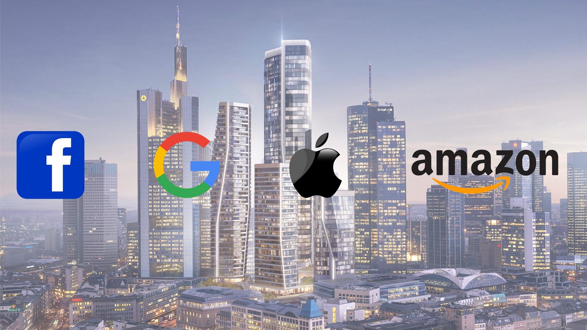 Skyline mit Facebook, google , apple und amazon logo