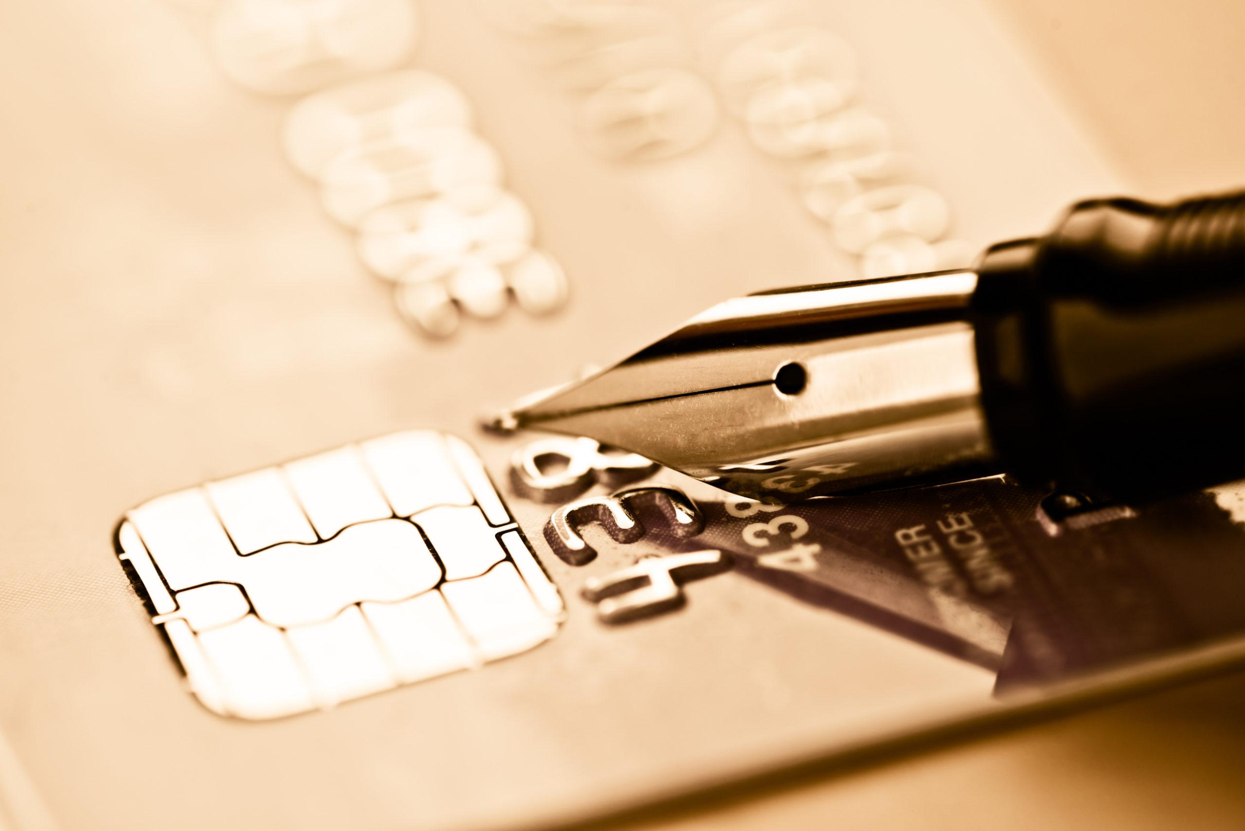 Kreditkarte und Füller, Banking